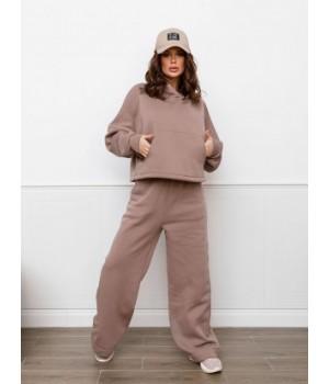 Бежевый теплый костюм с укороченным худи