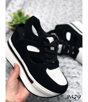 Женские кроссовки черно-белые 2579